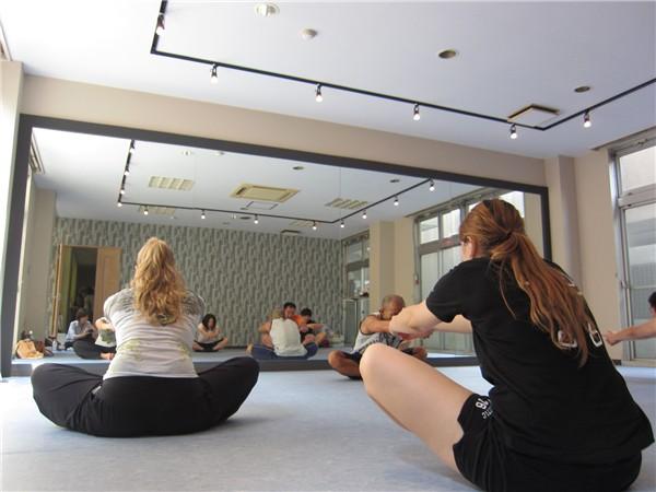 http://zweispace.com/wp-content/uploads/2015/10/PVtamanagayama-yoga.jpg